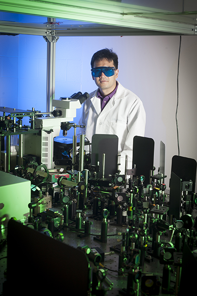Photo of J-Xin Cheng in his lab. (Vincent Walter/Purdue University image)